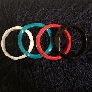 Jewelry - Set of 4 plastic resin bangle bracelets